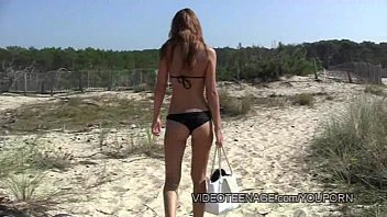 Beach teen titties and pussy - Sexy teen nudist at beach