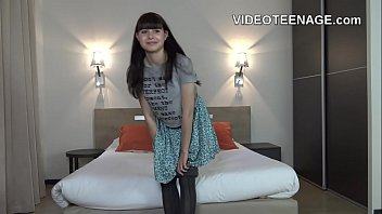 hairy teen Luna does porn casting
