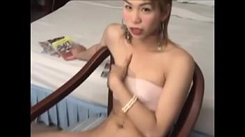 Horny ladyboy 18-seconds premature ejaculation handjob