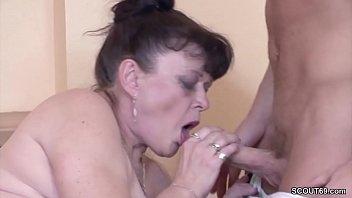 Young Boy Seduce His Grandma to get First Fuck Vorschaubild