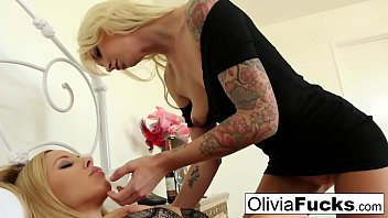 Olivia Austin gets some lesbian room service from Brooke 9 min