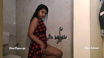 desillege girl alia advani tag shower