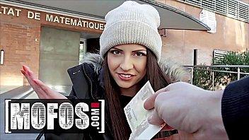 Italian Teen (Rebecca Volpetti) Getting Her Ass Fucked In Public - MOFOS 12分钟