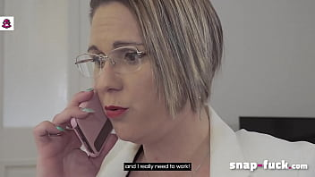 REAL FOOTAGE! MILF Lawyer  SANDY LOU blackmailed. Look at it! (Paris, France) - SNAP-FUCK.com