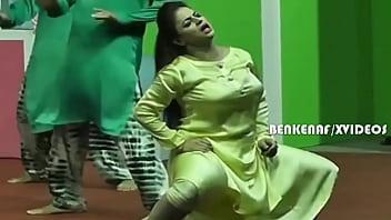 PAKISTANI MUJRA ACTRESS NIDA CHAUDHARY HARDCORE ROLE PLAY