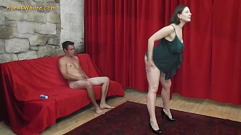 Busty MILF agent whore seduces a shy beginner guy 8分钟