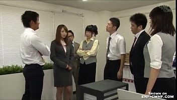 japanese women humiliated in office 5分钟