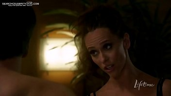 Jennifer love hewiit bikini pictures - Jennifer love hewitt showing huge cleavage in the client list s01e02