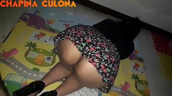 Culona Chapina me muestra su rico Culo y se escurre en toda mi verga