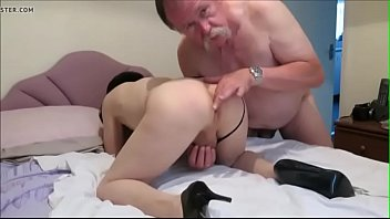 Tranny begging for cock - DickGirls.xyz