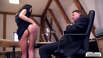 Bums Buero Naughty Fuck In The Office With Brunette German Babe July Sun