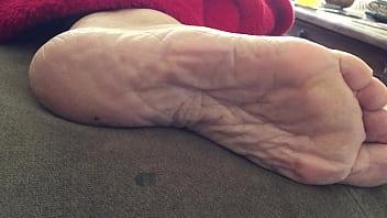 Carmen sexy wrinkled soles 2 59秒