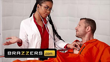 Pretty Gorgeous Babe (Kira Noir) Loves Being A Doctor And Loves Fucking Her Patient - Brazzers