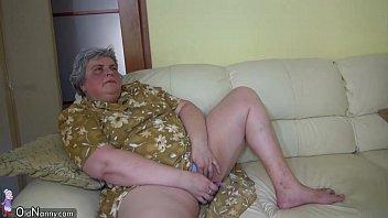 OldNanny Pretty girl and fat granny masturbating together Vorschaubild