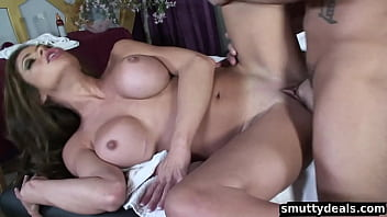 Milf hunter 6 - Milf gets fucked at massage parlour