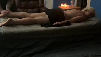 Milf gets in home erotic massage and happy ending 28 min