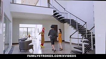 Familystrokes - Stepdaddy Gets Blowjob On Thanksgiving