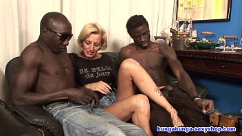 Over 40 and two black guys! 39分钟