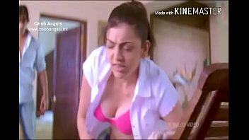Kajal Agrawal -Amazing Boobs Showing Cleavage
