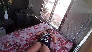 Camera escondida no quarto da enteada roqueira rebelde