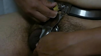 A man masturbating after unlocking the chastity belt for the first time in two weeks. 4分钟