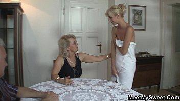 Perverted old parents fuck blonde girl Vorschaubild