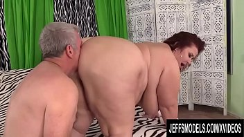 Old Deviant Worships Mature BBW Lady Lynn Before Stuffing Her Plump Pussy 8分钟
