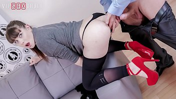 VIP SEX VAULT - French Hot Teen Luna Rival It's Doing An Amazing Job On Casting porn thumbnail
