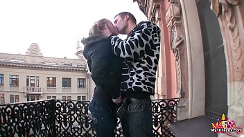 Novinha russa quente com seu namorado