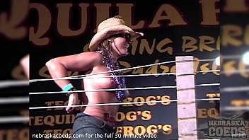 Frog shaved - Wet tshirt contest at tequila frogs