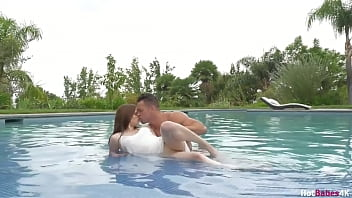 All Natural Jenna J Ross Dicked Inside The Pool!
