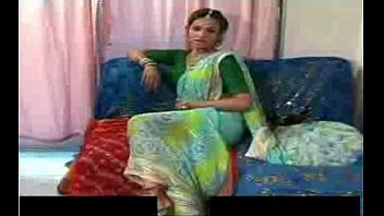 indian she male in saree thumbnail
