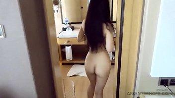 Jacuzzi sex with am amateur Asian babe