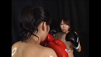 Boxing topless women IFW126