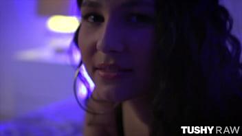 TUSHYRAW Anal-loving Girl-next-door isn't so innocent 12 min