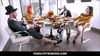 Hot MILF Step Mom Brooklyn Chase And Step Son Join Teen Step Daughter Rosalyn Sphinx And Step Dad For Family Thanksgiving Fuck Fest Vorschaubild