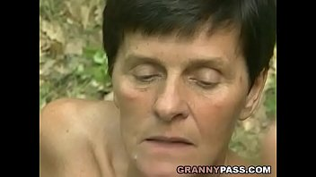 Mature pleasing pussy - Granny offers her pussy in the forest