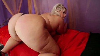 Blonde bbw plumper with big ass dance