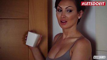 LETSDOEIT - Big Tits MILF Yasmin Scott Has Erotic Bathroom Sex With Horny Hot BF