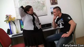 Plump office fuck He fucks big booty office plumper from behind