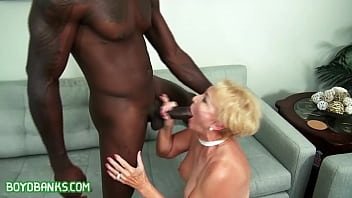 Pleasing my client before getting her husband 23 min