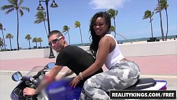 RealityKings - Round and Brown - (Nina Rotti,Tyler Steel) - Bottoms Up 8分钟