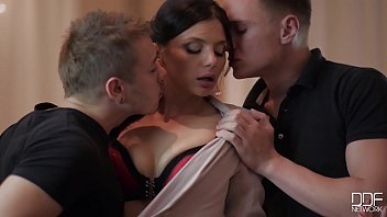 Business meeting with hot Milf Alyssia Kent leads to double penetration - 69VClub.Com
