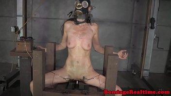 Bondage slave Emma Haize spanked roughly 6分钟