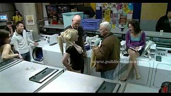 Slut fucked in a bdsm public sex video Vorschaubild