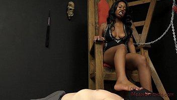 Mocha Menage - Ebony Femdom 5 min