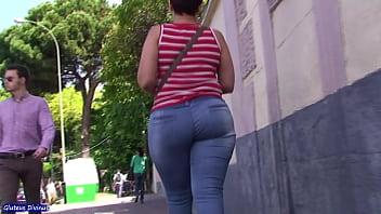 SPANISH MILF BIG ASS IN BLUE JEAN