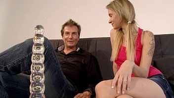 Deal or no deal models upskirt Autsch der dildo deal mit angel