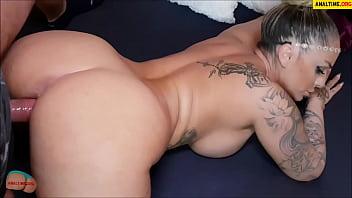 Amateur pov with tattooed busty milf Porno indir
