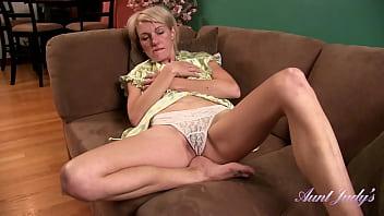 AuntJudys - 42yr-old Real Mom-Next-Door Skyler In Silk Robe & Lingerie